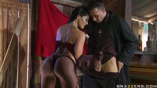 Savannah Stern decides to visit a fortune teller Keiran Lee